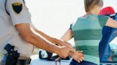 Policia de Brewster detuvo a una mujer que manejaba ebria tras ser denun...