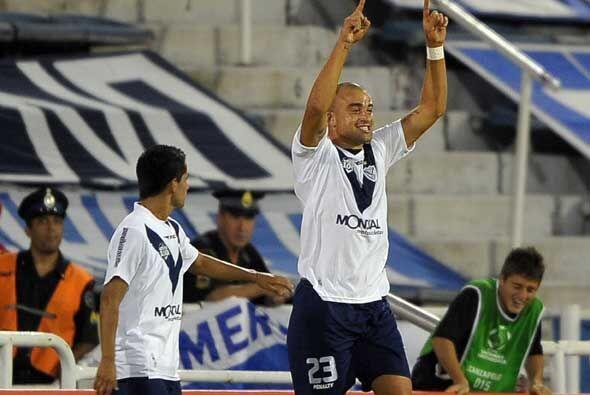 Pero Vélez dio vuelta el resultado gracias a dos uruguayos, Rodri...