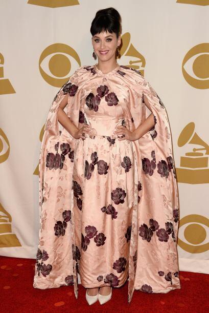 También, a la entrega del Grammy, Katy Perry parece que se puso las cort...