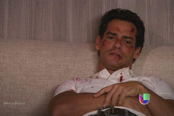 Daniel promete alejarse de la vida de Camila, una vez más. Piensa cumpli...