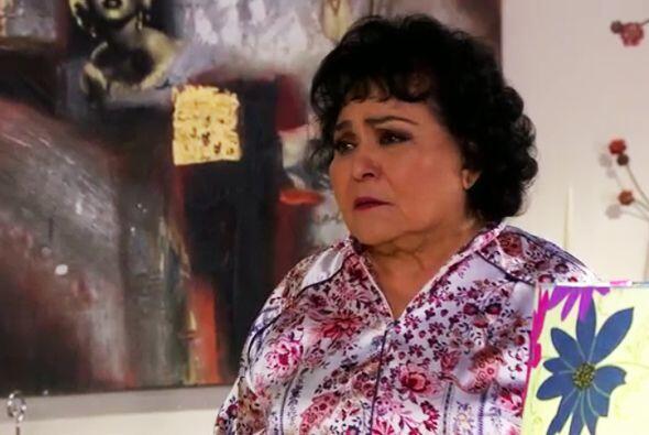 ¡Ayyy doña Yolanda! ¡Qué hija tiene! Sería bueno que busque Ana para adv...