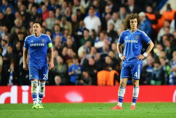 David Luiz (5): Puso músculo en el centro del campo, por delante...