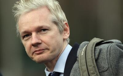 El Departamento de Justicia de EEUU estaría investigando a Julian Assang...