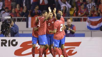 Costa Rica celebra luego de más de 10 juegos sin ganar.