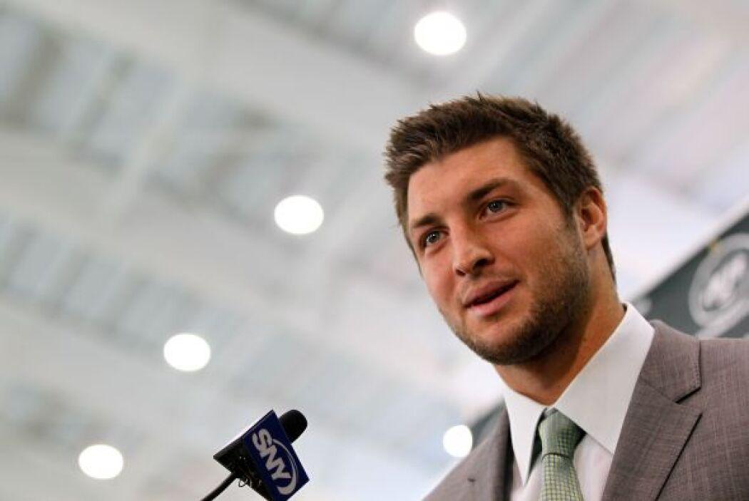 El quarterback se sorprendió al ver a tantos medios e indicó que la conf...