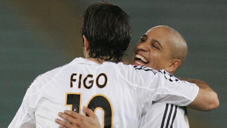 El ex futbolista brasileño festeja un gol del volante portugués en la ép...