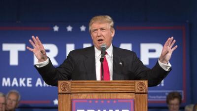 Trump ridiculiza a un candidato rival y revela el número de teléfono