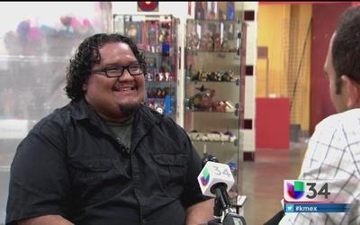 William Flores, recuerda sus raíces salvadoreñas