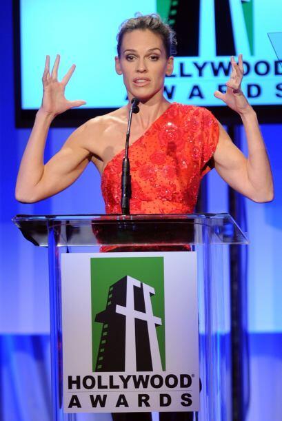 Con esos brazos nadie se mete con ella.  Aquí los videos m&aacute...