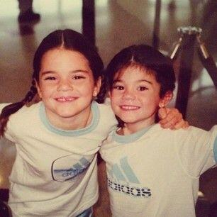 Kendall y Kylie, muy sonrientes.
