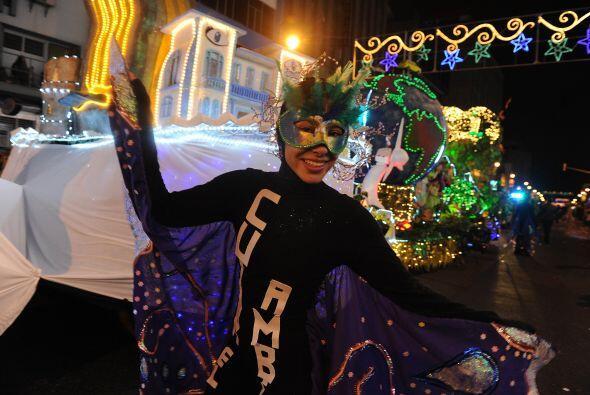La más ovacionada de la noche fue la carroza de la Municipalidad de San...