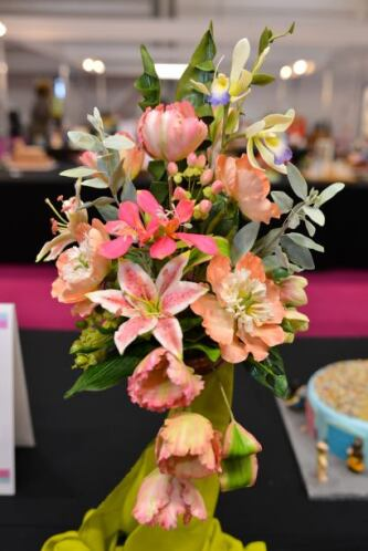 Pero si eres una dama a quien le encantan las flores, este 'bouquet' te...