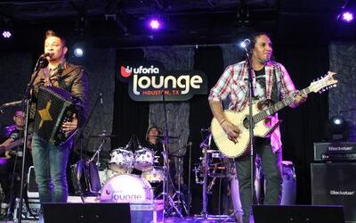 Siggno en vivo en el Uforia Lounge