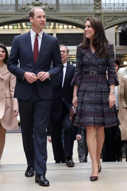 Para estos eventos, Kate Middleton portó un elegante vestido de la casa...