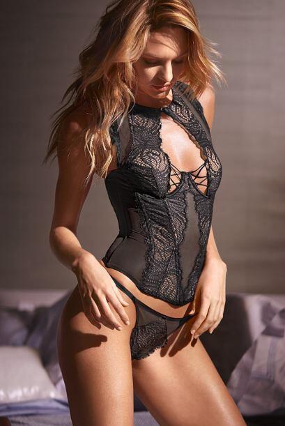 No cabe duda que esta modelo sudafricana sabe muy cómo seducir a...