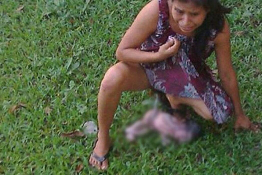 En octubre una mujer indígena dio a luz en el patio de un centro de salu...