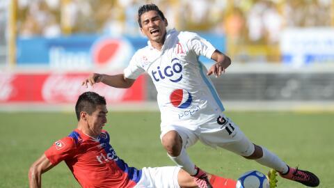 Alianza vence al FAS en derbi y Águila retoma al liderato en El S...