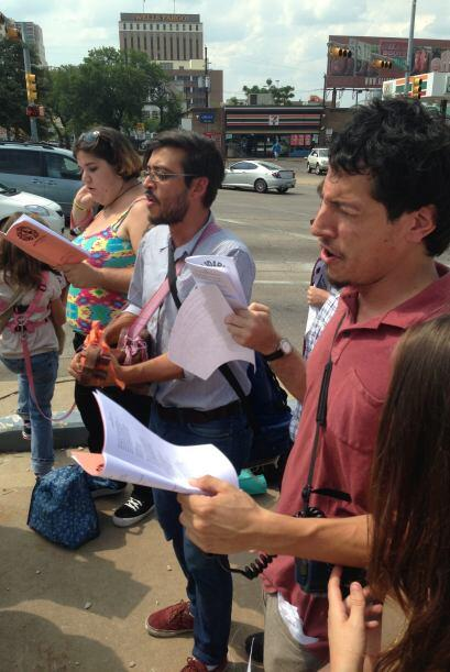 Protesta trabajadores comida rápida en Austin