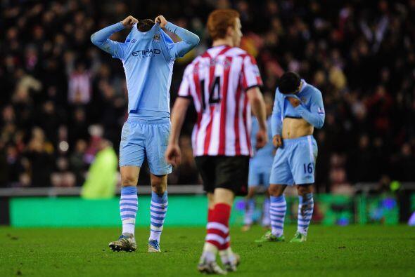 Manchester City cayó ante el Sunderland como visitante por 1-0 y dejó qu...