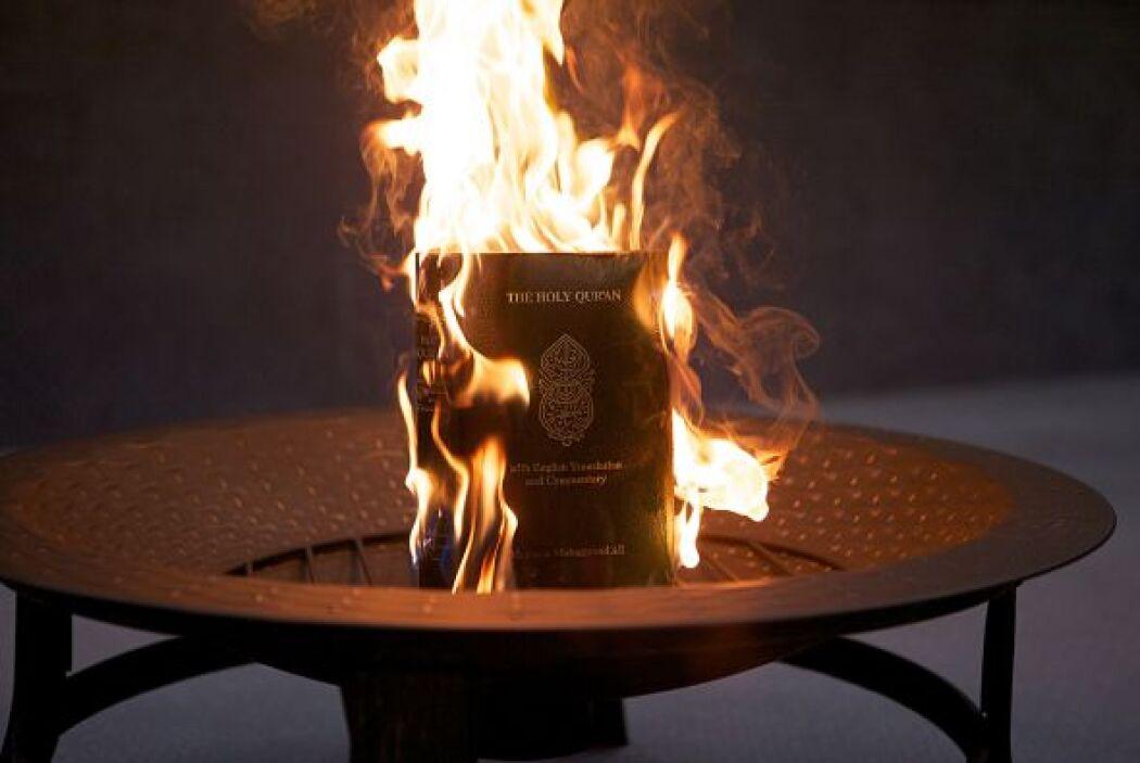 El ejemplar fue quemado tras el 'juicio' donde fue hallado 'culpable'. E...