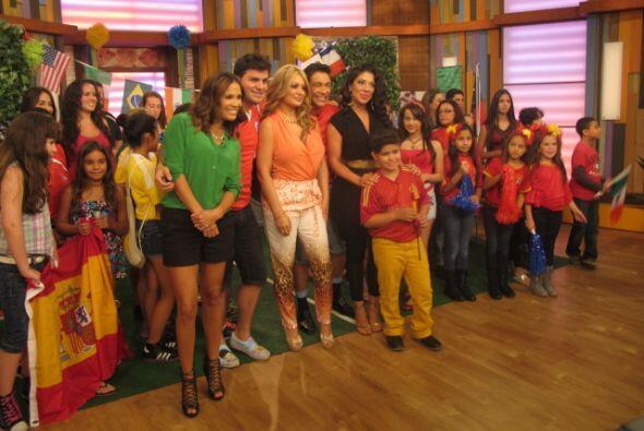 Las hermanas Vicky y Marisol Terrazas quisieron ser parte de la fiebre m...