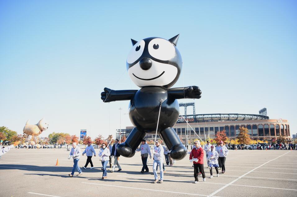 Este año regresa a formar parte del desfile el globo de El gato F...