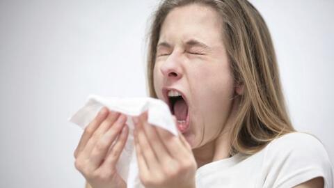 Al toser o estornudar, asegúrate de hacerlo en un tejido. Tira lo...