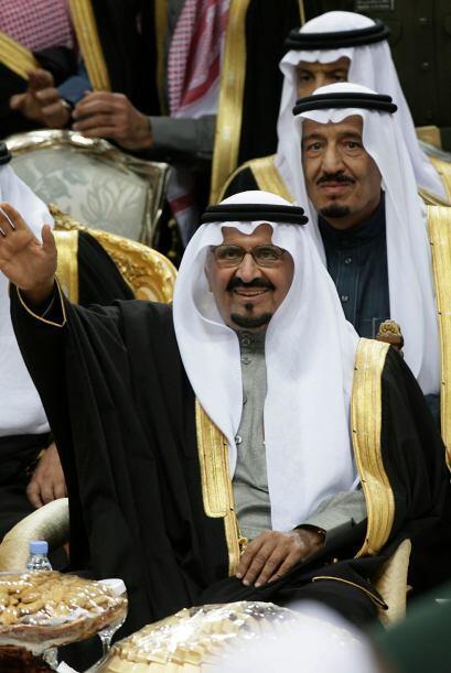 7- ABDULLAH BIN ABDUL AZIZ AL SAUD  Puesto- Rey de Arabia Saudita.  Orga...