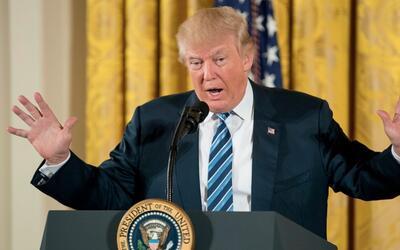 Trump dice que hablará con Peña Nieto para negociar con México sobre NAF...