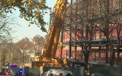 Dos trabajadores murieron en un accidente de grúa en Queens