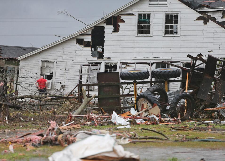 Tormentas y tornados dejan al menos tres muertos en el sur  tornado8.jpg