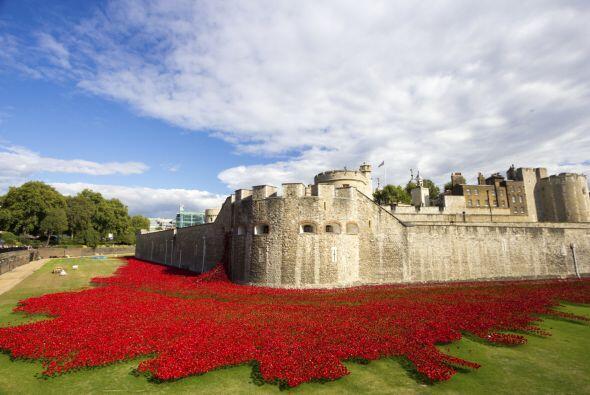 Tower of London. En este espectacular y célebre castillo, escucharán esp...