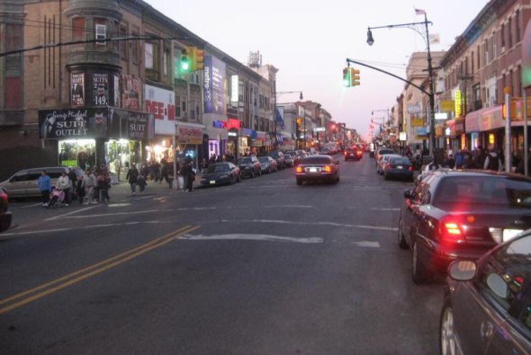 """""""La 5ta"""" refiriéndose a la quinta avenida y el gran número de negocios q..."""
