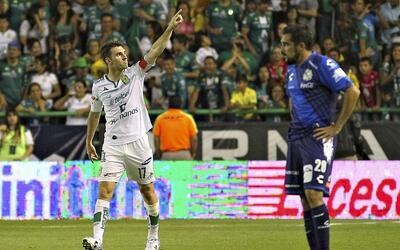 En el torneo pasado, León goleó 4-1 a Puebla en el Nou Camp.