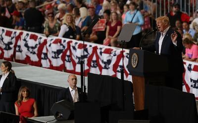 Las promesas y los ataques de Trump a la prensa: un resumen de su mitin...