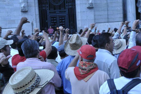 La  marcha se realizó tras el asesinato de cinco jóvenes, entre ellos el...
