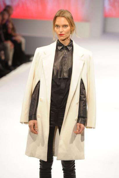 Finalmente es indispensable que tengas un 'trench coat', Qué tal este mo...