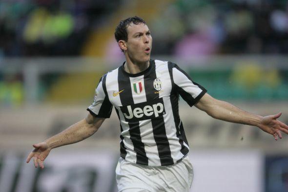 Seguimos con el zaguero suizo Stephan Lichtsteiner, jugador de la Juventus.