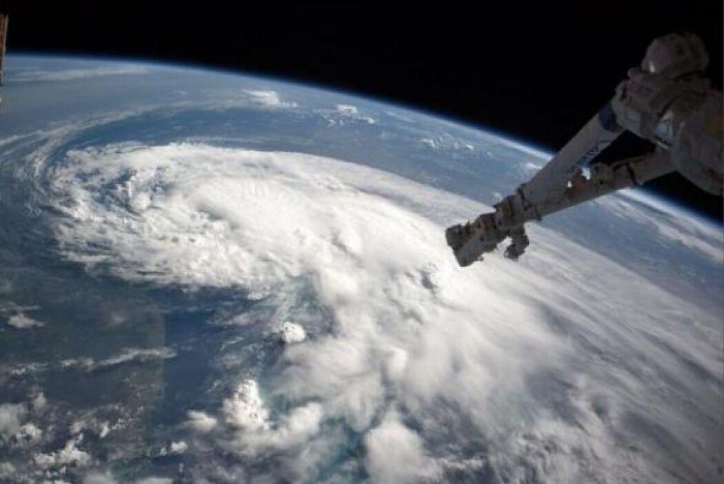 Acabo de pasar por encima de la tormenta tropical Arthur,   con la esper...