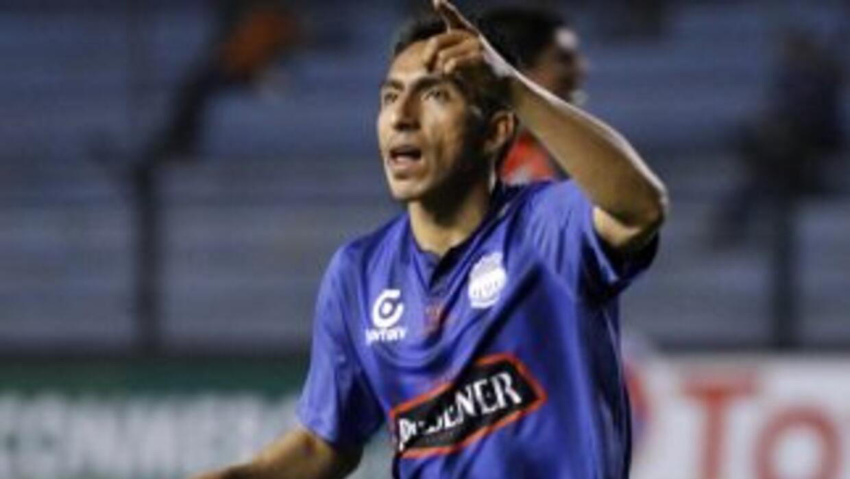 Emelec le 2-0 al Deportivo Cuenca con goles Angel Mena y Enner Valencia...