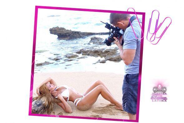 Zuleyka en sesión de fotos en su adorada Isla del Encanto.
