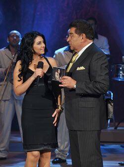Don Francisco presentó su material y dejó a Graciela en el escenario.