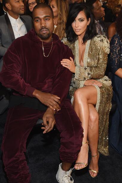 También estaban Kanye y Kim, como siempre, el estaba muy serio. ¡Ni una...