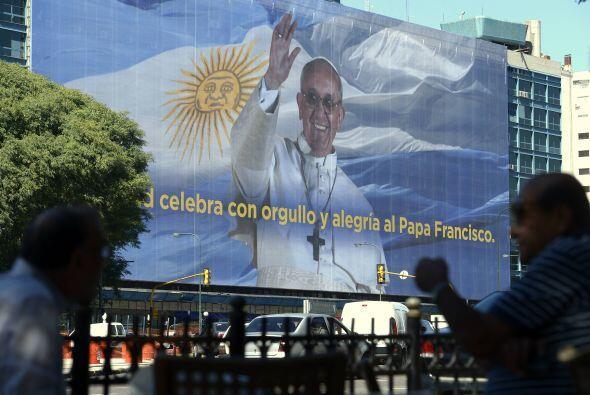 El Papa donó 50 mil dólares a la Arquidiócesis de L...