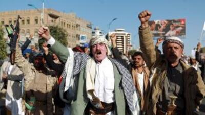 Milicianos hutíes durante una manifestación en Saná.