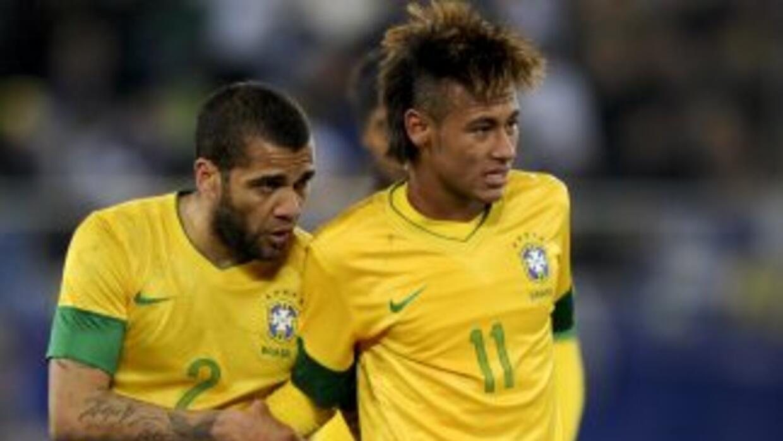 Alves ha compartido equipo con Neymar y sabe lo que puede aportar el ata...