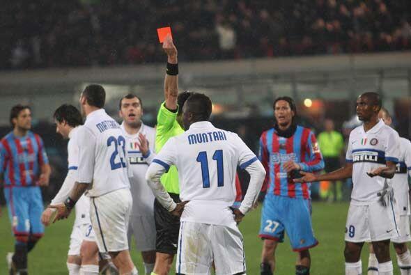 Deseperación en el Inter que se quedó con 10 luego de la e...