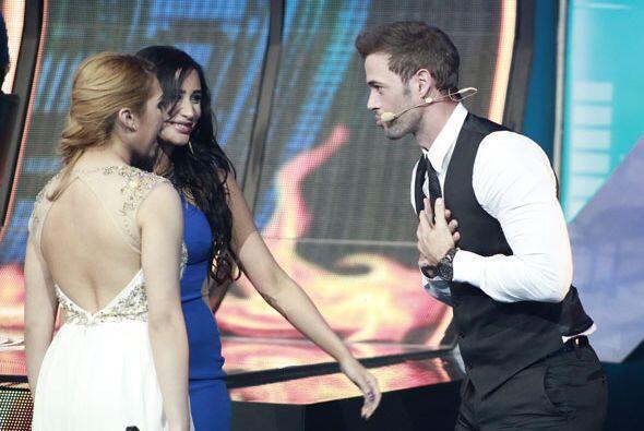 Le tocó escuchar a Geissie y Paloma cantarle sólo para él.