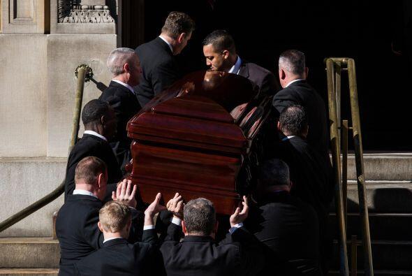 Así dieron el último adiós a Philip. Más videos de Chismes aquí.