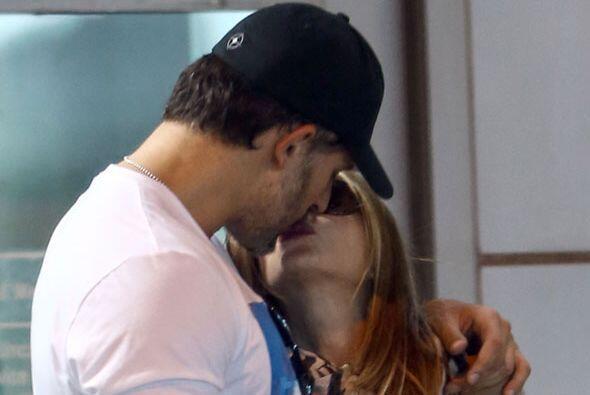 Este fue el primer beso que se dieron ante las cámaras.